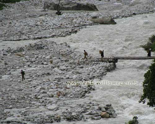 Temporary bridge over Alaknanda river near Mana village