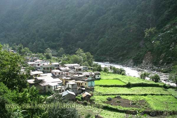 Beautiful view of Pulna Village before the flood. This village is just three kilometers from Govindghat on our trek to Ghangaria.