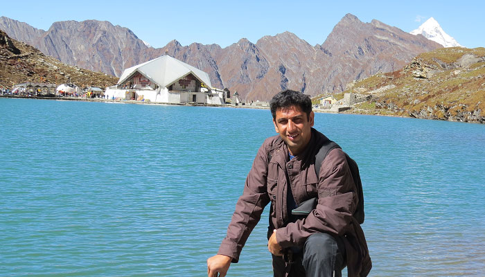 At Hemkund Sahib, in October 2013, He went to see the condition of the valley after the floods.