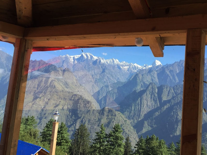 Blue Poppy Resorts Auli, view from the room